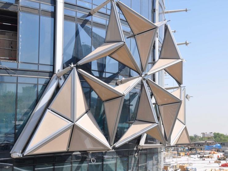 Интеллектуальная система затенения на башнях Аль Бахар