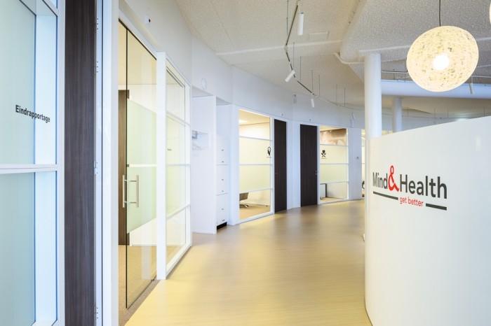 Дизайн интерьера офиса медицинской компании Mind & Health