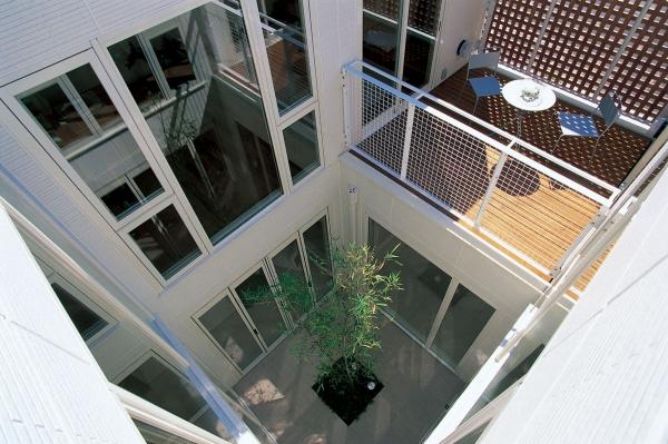Дом EDDI от Edward Suzuki Associates