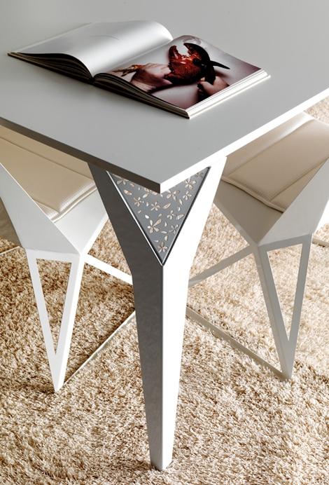 Стильные обеденные столы от Esedra