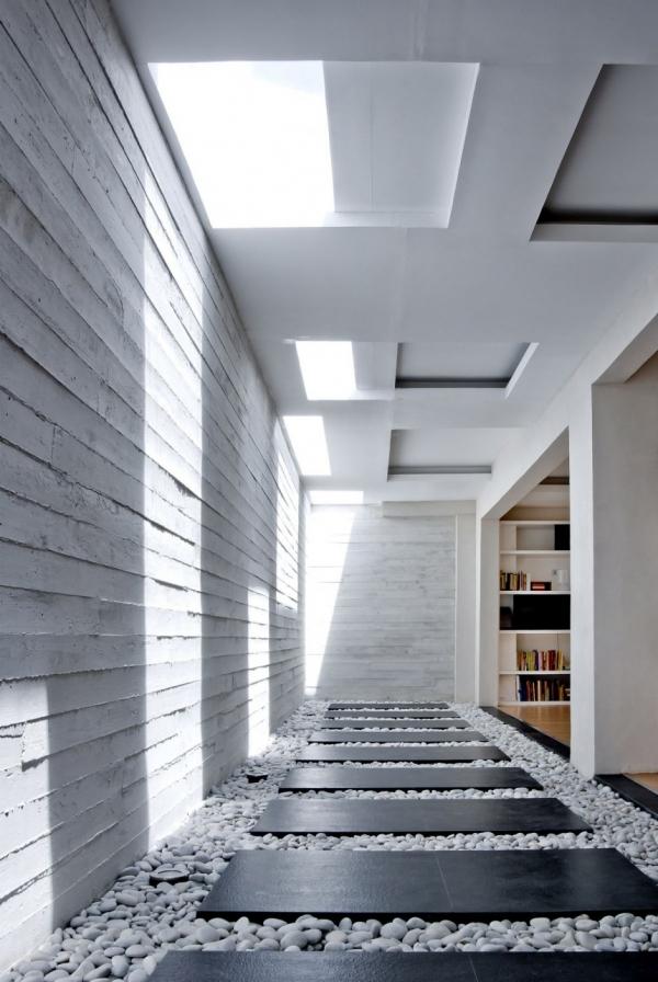 Courtyard House от Buensalido Architects