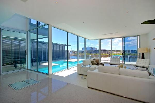 Австралийский дом на берегу залива от FGR Architects