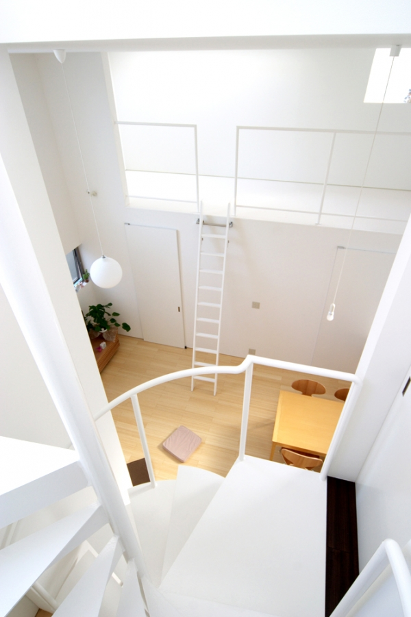 Небольшой дом в Японии от Studio LOOP