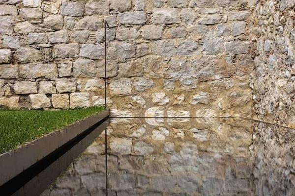 Современный интерьер средневекового испанского дома