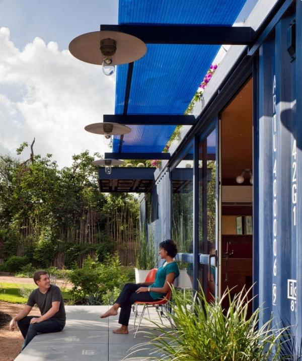 Оригинальный гостевой дом от Poteet Architects