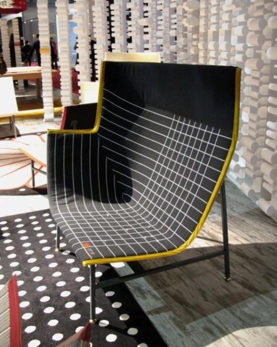 Мебельная марка Moroso,кресло Paper Planes high back (стальной каркас, наполнитель — литой по форме ППУ. ткани фабрики Kvadrat с вкраплениями из кристаллов Swarovski).
